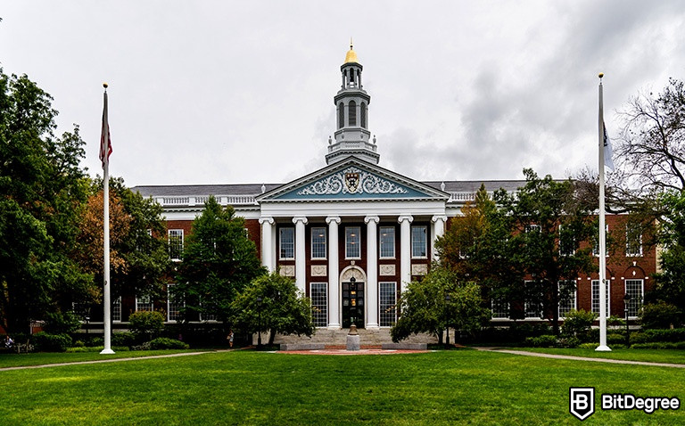 7 Great Harvard Online Courses That are Worth Checking Out